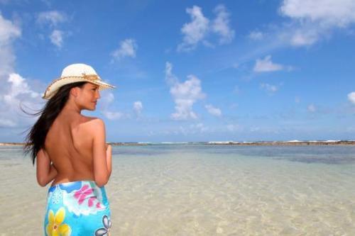 Com nude beach tumblr Naked sunbathing