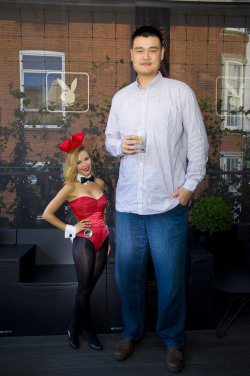 theinturnetexplorer:Yao Ming and a playboy bunny.