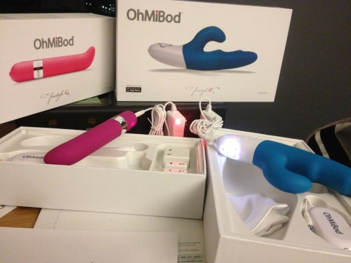 In my hotel room getting @OhMiBod pieces charged up and ready for my meetings!