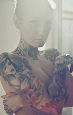 bubunoisydubs:  Tattoo, Piercing & Body Art | via Facebook on We Heart It - http://weheartit.com/entry/61165412/via/boubouerror Hearted from: https://www.facebook.com/photo.php?fbid=517348864991992&set=pb.137981012928781.-2207520000.1368297305.&type=3&theater