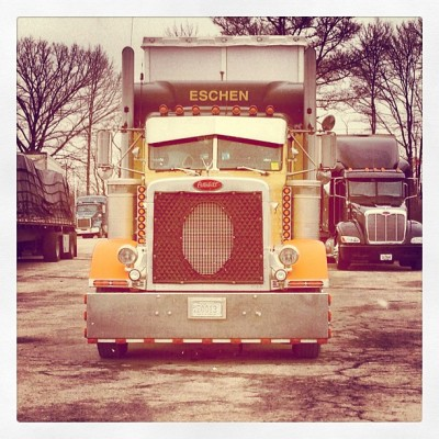 #trucks #badasstrucks #oldschoolrigs #truckoftheday  #truckworld #roadwarriors