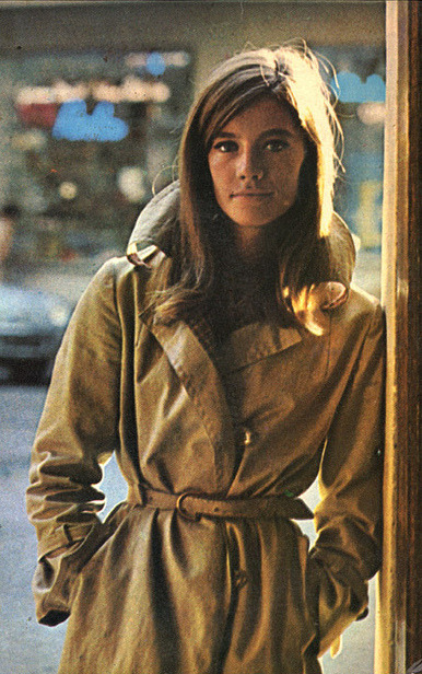 the60sbazaar:  Francoise Hardy rocks relaxed fashion in a classic trench coat