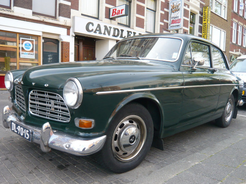 Tough reporter Starring: '69 Volvo Amazon (by oerendhard1)