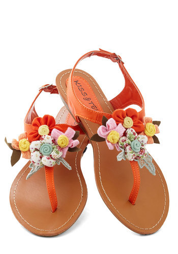 It's springtime, and even the sandals are in bloom! Shop the Crafty Afternoon Sandal.