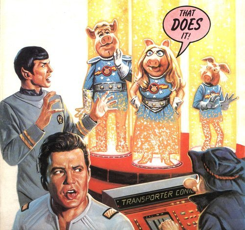 Such an great piece of Star Trek art (Star Trek/Pigs in Space)