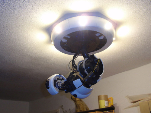 thisistheverge:  How To make a 3D-Printed Robot-Arm GlaDOS-Lamp › Nerdcore