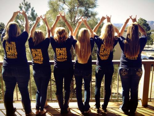sororitysugar:  new mexico throw what you know…  hey thats me :D