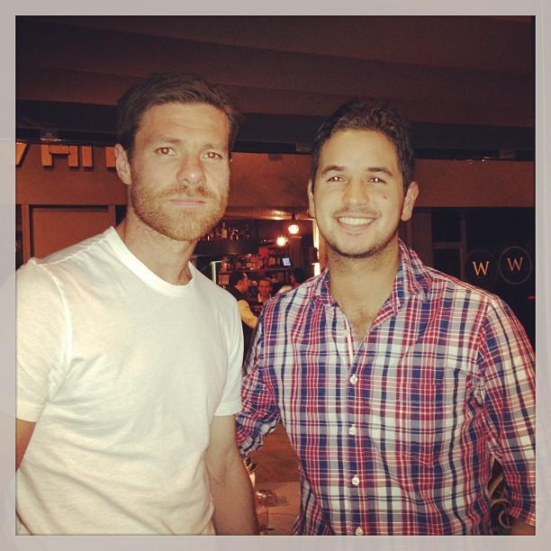 elpasadonocuenta:  Xabi Alonso with fans on Instagram. 1st picture by angeladaza0514 2nd picture by sergiozuleta