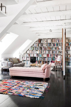 homedesigning:  Living With Books