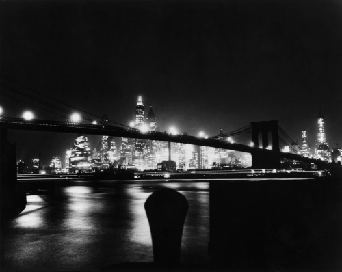 Night View Of Brooklyn Bridge Bettman Archive