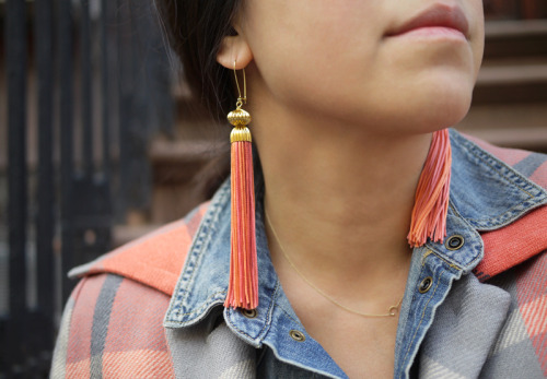 truebluemeandyou:  DIY Tassel Earrings Tutorial from Honestly…WTF here. These are some of my favorite tassel earrings I've seen because they are made out of silky Japanese bunka cord which makes them look much more expensive. These earrings are inspired by a pair of elaborate 1991 Vintage Yves Saint Laurent S/S 1991 Teal & Fuchisa Tassel Earrings that I've pinned to a Pinterest Group Board: Pick Your Own DIY where a group of fashion/DIY bloggers will make the most pinned posts on the board. If you want to join in go here: http://pinterest.com/iamdonatella/pick-your-diy/