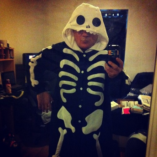 So…I thought this was a good idea. #Skeleton #TakesThePoundsRightOff