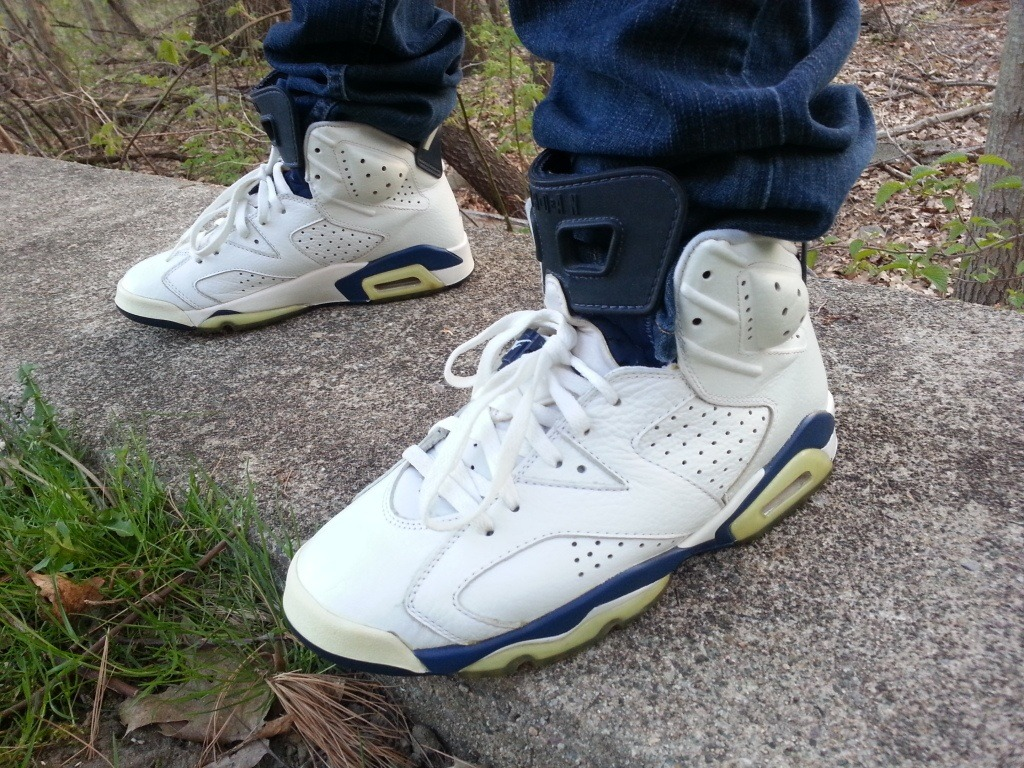 "coronasandarizonas:  Air Jordan 6+ ""Midnight Navy"" 