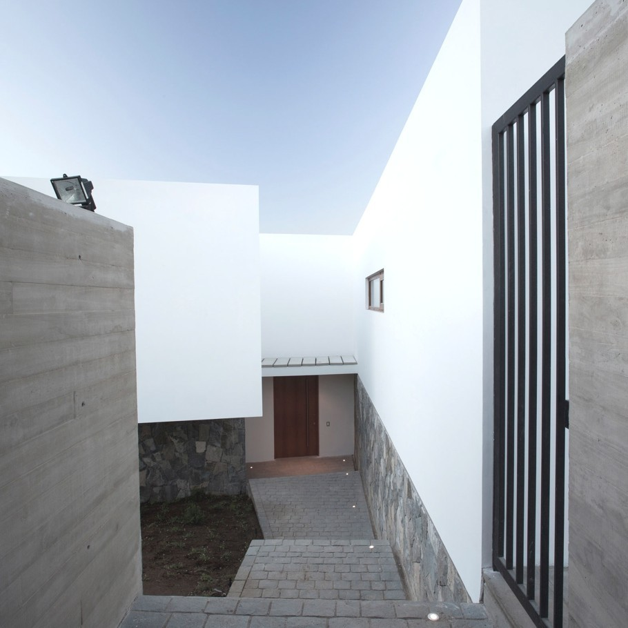Donoso Smith House, Chile by EMa Arquitectos