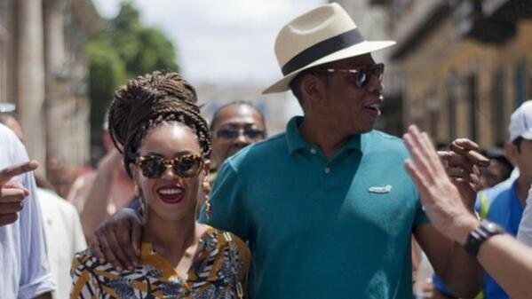 Beyonce, Jay Z - VIDEO: Beyonce and Jay Z visit Cuba    ://t.co/QtHSWdA1IH