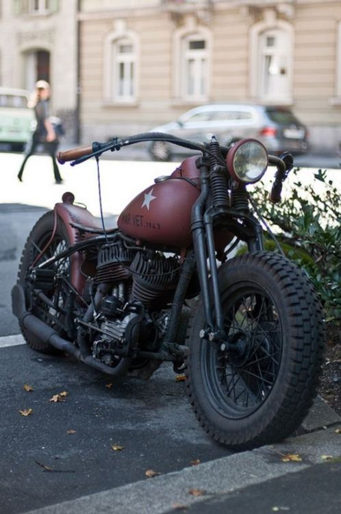 beardsleyjones:  redhousecanada:  gasaddiction: wants this bike!  You and I both!