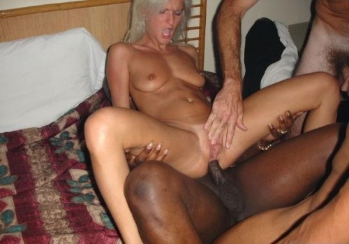 Real amateur wives anal sex pictures