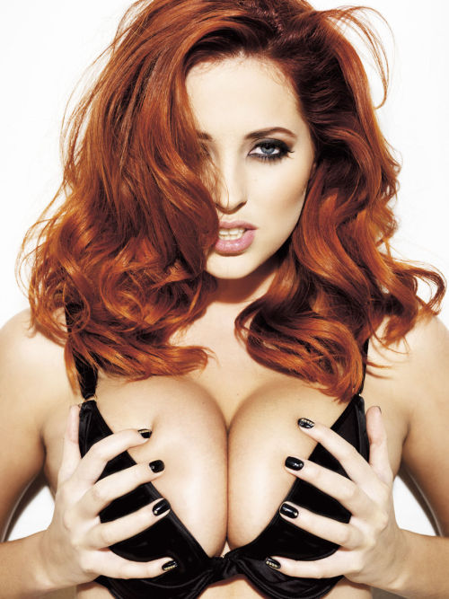thatswhaticallsexy:  Lucy Collett