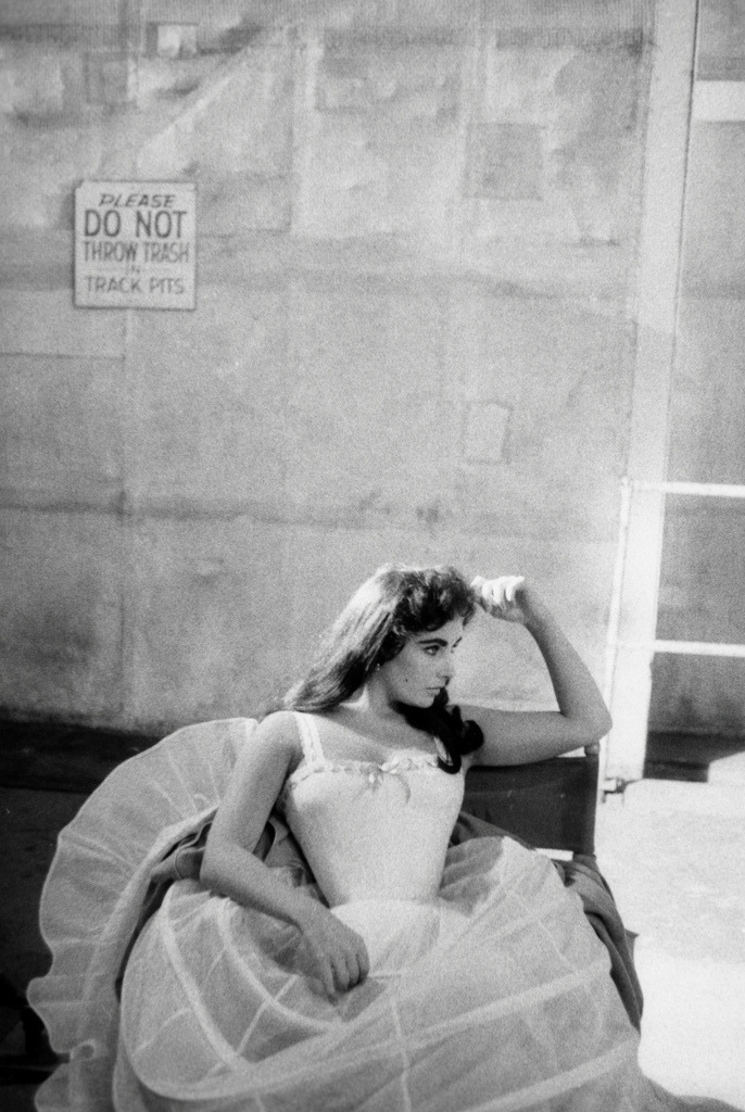 Elizabeth Taylor photographed by Bob Willoughby