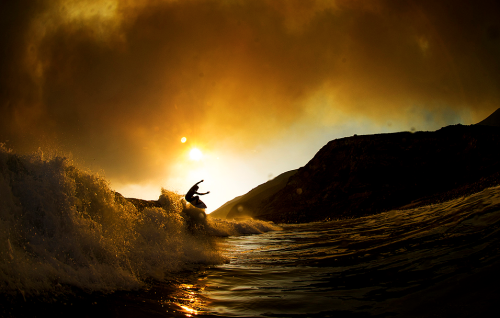 salty-sandy-sexy:  7sunriseoversea:  Photo: Gordon  oh