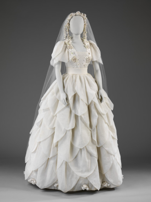 omgthatdress:  Wedding Dress 1976 The Victoria & Albert Museum