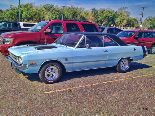 Ladies man Starring: Dodge Dart Swinger (by gswetsky)
