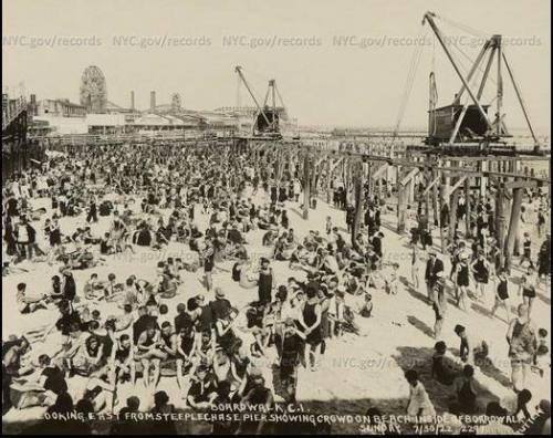 nycgov:  Did you know? 90 years ago today, on May 15, 1923, Coney Island's Riegelmann Boardwalk officially opened. Construction began in 1921 and this photo taken in July 1922 showing beach-goers along with the ongoing construction. Photo: NYC Municipal Archives  Vintage Brooklyn <3