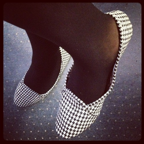 Shoes of the day. #shoeporn #houndsooth #shoe #shoes #sunday #black #white  (at Culinary Union 226 - Research Annex)