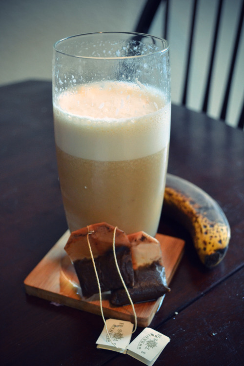 Chai protein breakfast drink! Ingredients:8oz water2-4 oz almond milk2 Chai tea bags1 banana1 scoop vanilla protein powderIce cubes (I am pretty sure I used a whole tray) Directions:1. Steep tea in 8oz HOT water. put in freezer so it cools quickly2. In a blender, combine all ingredients. 3. Enjoy!  Note: don't JUST have this for breakfast. It's totally not enough calories, at all.