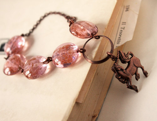 nikeleenike:  (со страницы Unicorn Pink And Copper Bracelet)