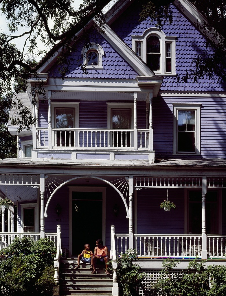 "memoriastoica:  Colorful Victorian home in Takoma Park, Maryland, an old ""streetcar suburb"" on the northern boundary with the District of Columbia."