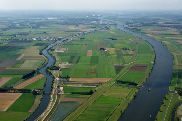 Going With the Flow: Flood Control in the Netherlands Now Allows Sea Water In (New York Times, February 13, 2013)  The reality of rising seas and rivers leaves no choice. Sea barriers sufficed half a century ago; but they're disruptive to the ecology and are built only so high, while the waters keep rising. American officials who now tout sea gates as the one-stop-shopping solution to protect Lower Manhattan should take notice. In lieu of flood control the new philosophy in the Netherlands is controlled flooding.