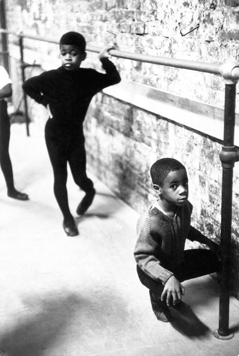 itwasntparadise:  pink-slip:  N.Y.C., Harlem Neighbourhood ballet class, 1968 Photo by Eve Arnold as part of the Black is Beautiful series