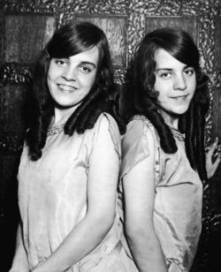 daisy and violet hilton- these lovely british ladies were conjoined twins. born in england in 1908, they were bought by their mothers employer because she saw a chance to make money with them. they toured around the world as a sideshow act, singing and dancing.  in 1931, they sued their managers and became independent performers. they moved to the vaudeville circuit and became successful. in 1961, their tour manager abandoned them in charlotte, north carolina, with no income. they took a job at a local grocery store. they died in 1969 of the hong kong flu