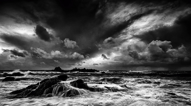 (via Storm Clouds | Flickr - Photo Sharing!)
