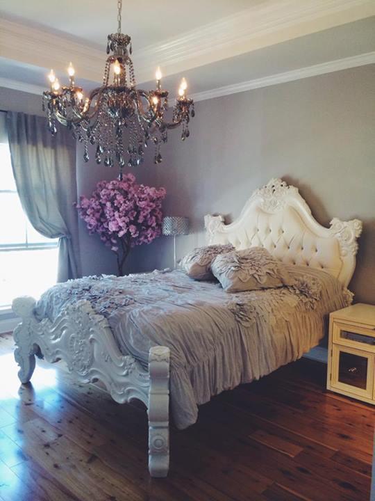 Black baroque bed