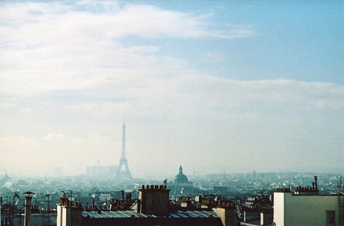 schzimmydearr:  view from the hotel window by Adele M. Reed on Flickr. Paris