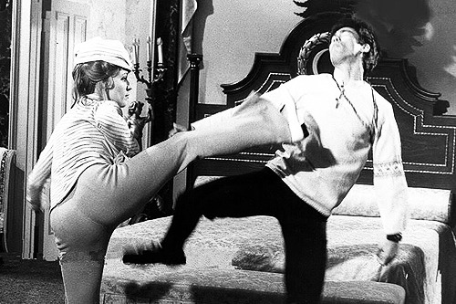 merlin:    Sharon Tate practicing her Kung-Fu routine with Bruce Lee and Nancy Kwan on the set of The Wrecking Crew (1968)    Oh, where to begin with all the win?