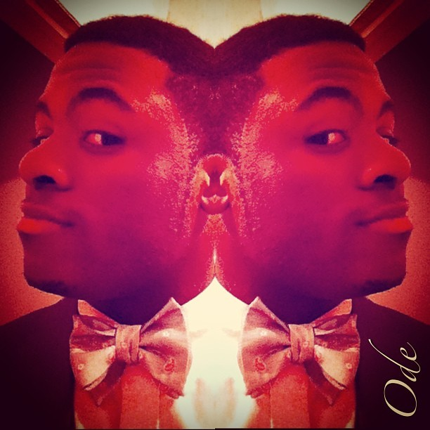#ode #mtss #morethanswagsociety #picstich #diptic #mirror #bowtie #freshcut #abstract #sexy #swerve #blend #colors #colours
