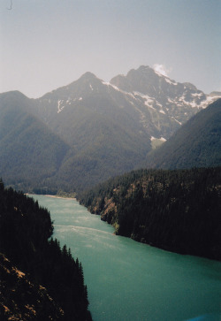 travelingcolors:  Ross Lake | Washington (by Amy Heather)