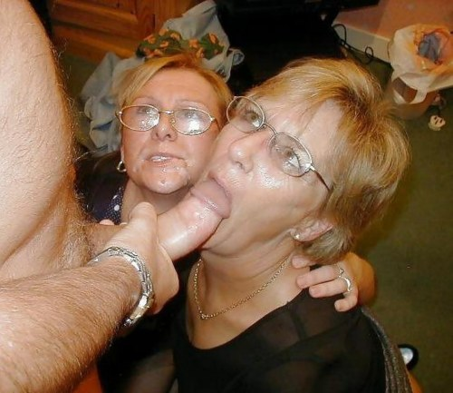 Mature granny blowjob