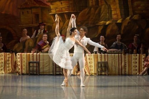 thenextfamous:   Natalia Osipova and Ivan Vasiliev in Laurencia (c) Mikhailovsky Theater