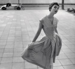 theniftyfifties:  Fashion photography by F.C. Gundlach, 1955