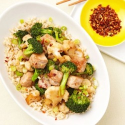 healthier-habits:  Ginger Pork and Broccoli (500-Calorie Dinner) Recipe Link: fitnessmagazine.com