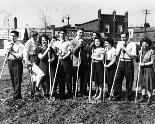 Brooklyn College students at an orientation for the Farm Labor project, circa 1940s.