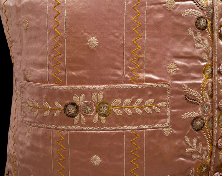 aleyma:  Detail of a waistcoat, made in Britain, c.1790-99 (source).