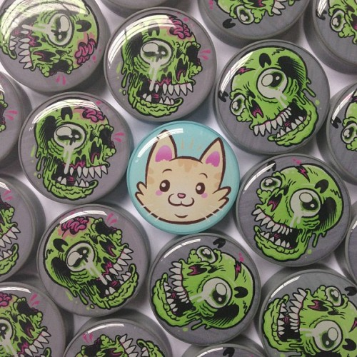Our Cute Kitty plug is in the middle of a Zombie plug attack 💀💀💀🐱💀💀💀 - www.ukcustomplugs.co.uk - #ukcustomplugs #ukcp #plug #plugs #gauge #gauges #zombie #zombies #cat #cats #kitty