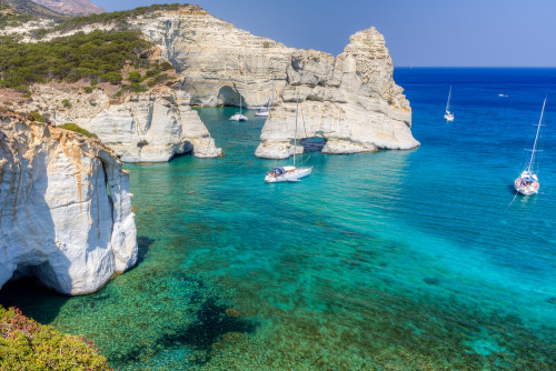 Who has sailing around the Greek Islands on your list? Add this and other things to do in Greece at http://tripbucket.com/s/Y09Njvru.Photo of Milos island in Greece by Lefteris Papaulakis.