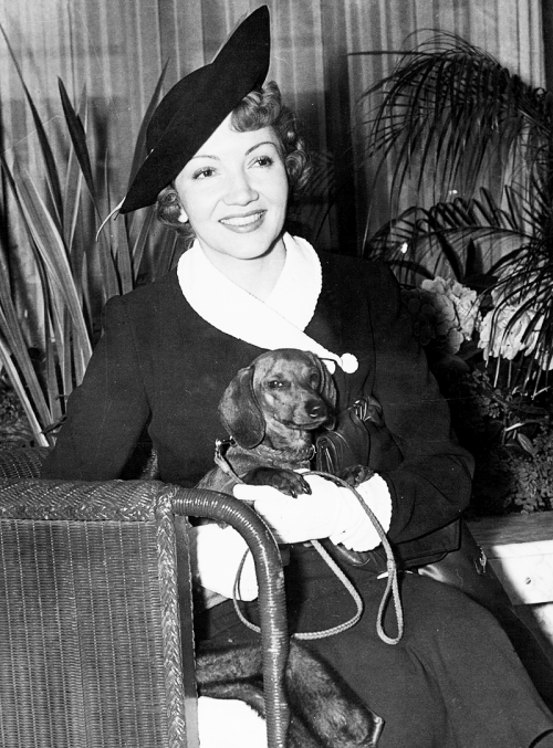 mariedeflor:  Claudette Colbert photographed aboard the S.S Normandie, on arrival in New York on May 16, 1938
