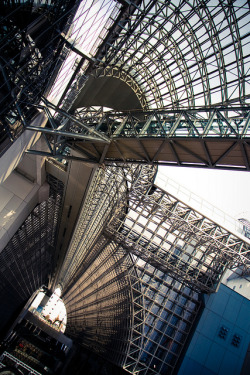 soughs:  Kyoto Station by n0r on Flickr.